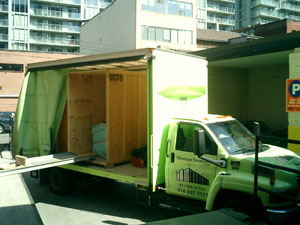 We provide stress free moving in Toronto and the surrounding GTA.